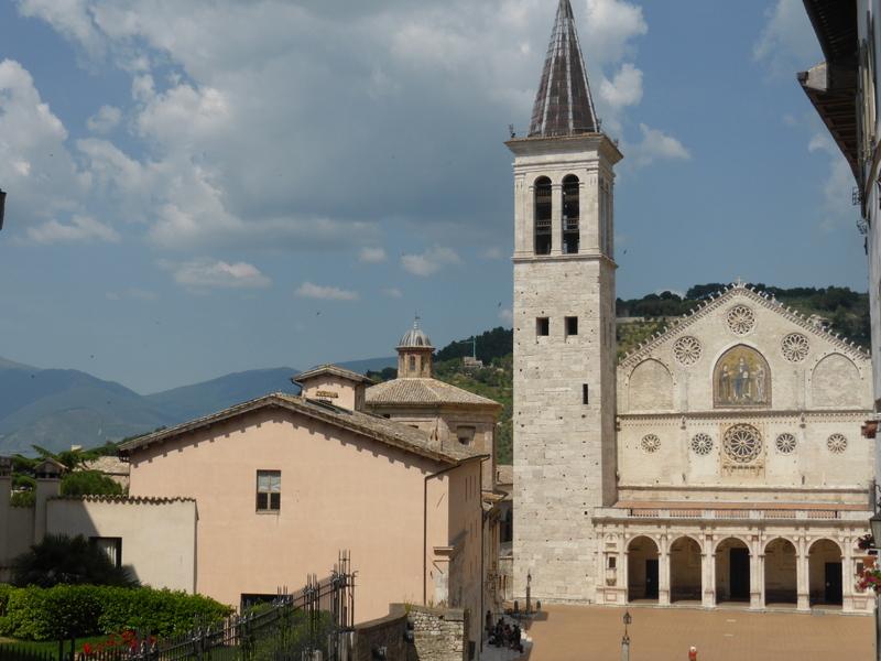 T8-Spoleto Umbrien - Kirche