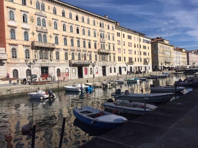 Trieste - Promenade am Canale