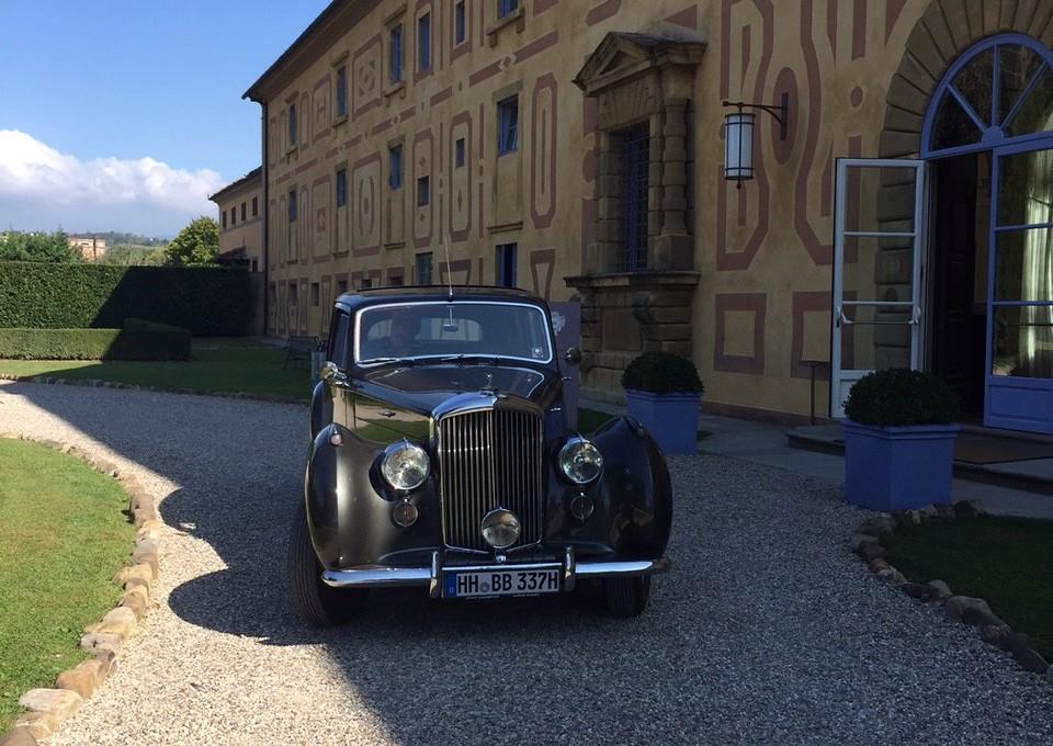 Villa Le Maschere mit Bentley