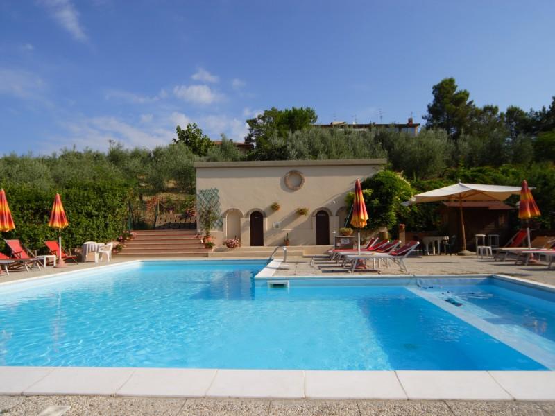 T7-2019 Hotel Le Renaie Pool
